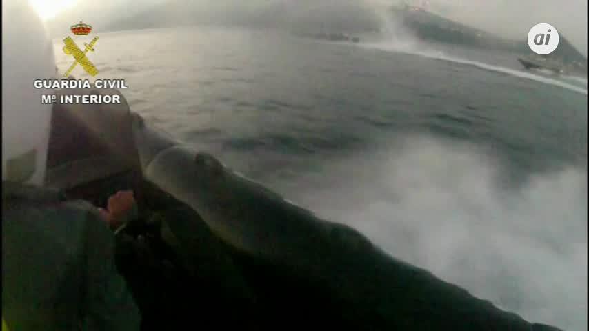 Recuperan 2.407 kilos hachís tras impedir su alijo en Algeciras
