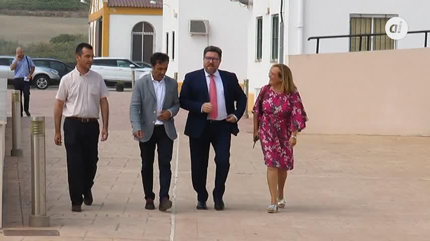 """La Junta presume de ayudas al campo e IU le acusa de """"trilera"""""""