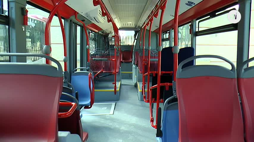 El Ayuntamiento trabaja en otro renting para comprar 9 autobuses más