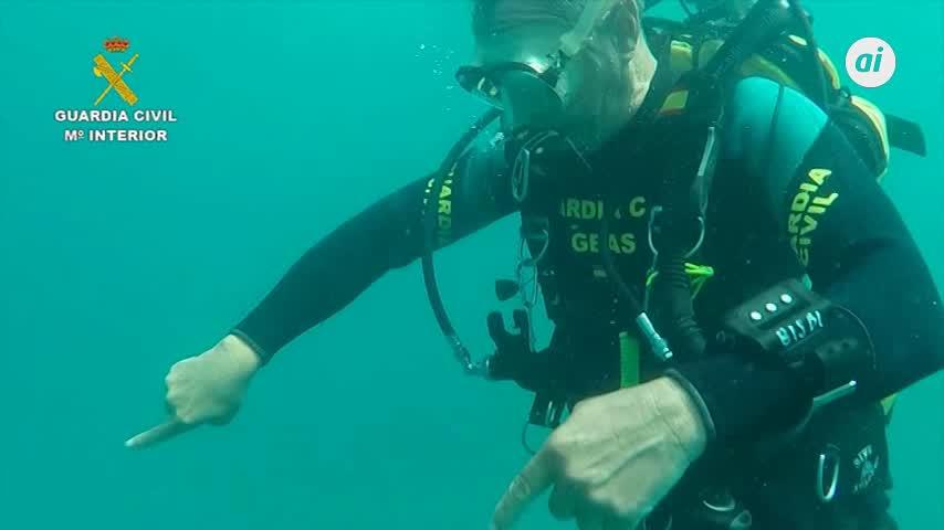 Retiran una red de 30 metros en el fondo marino de Cabo de Gata