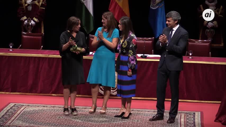 Premio de las Cortes a la voz que pide igualdad de hombres y mujeres