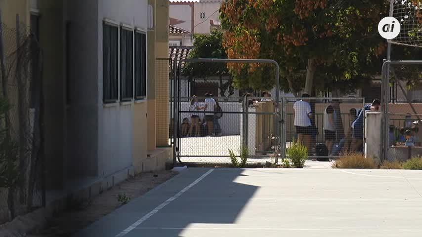 El alumnado de dos institutos se pone en huelga por el calor
