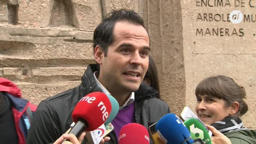 Aguado insiste en que no apoyarán a Susana Díaz y saldrán a ganar