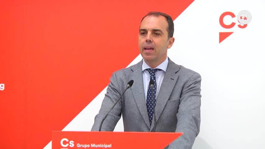 """Millán acusa a Espadas de """"escurrir el bulto"""" en la causa de los taxis"""