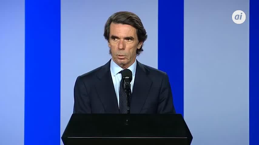 Aznar reclama a Sánchez que respalde la denuncia contra Maduro