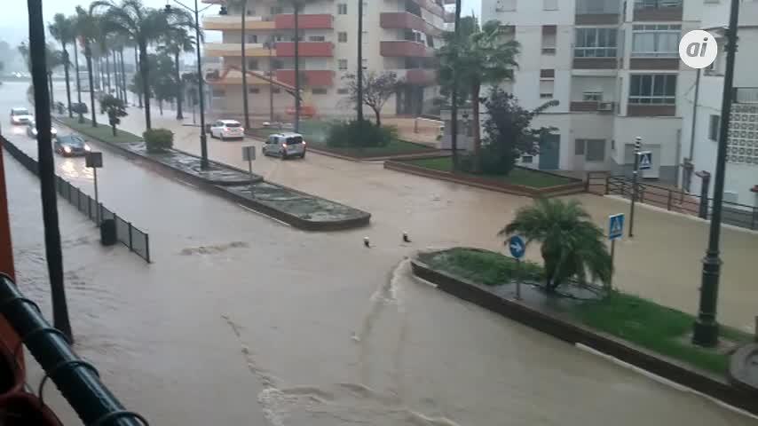 La UME activa un destacamento para ayudar contra la riada en Antequera