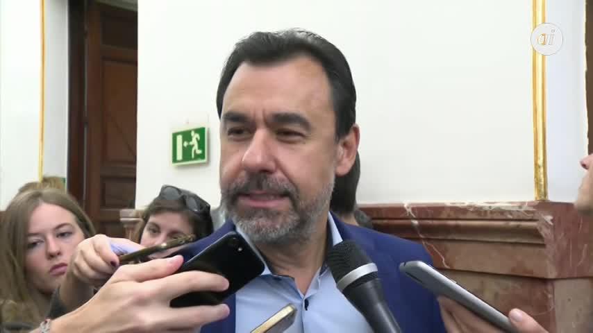 Maíllo ve normal el afecto entre Aznar y Casado
