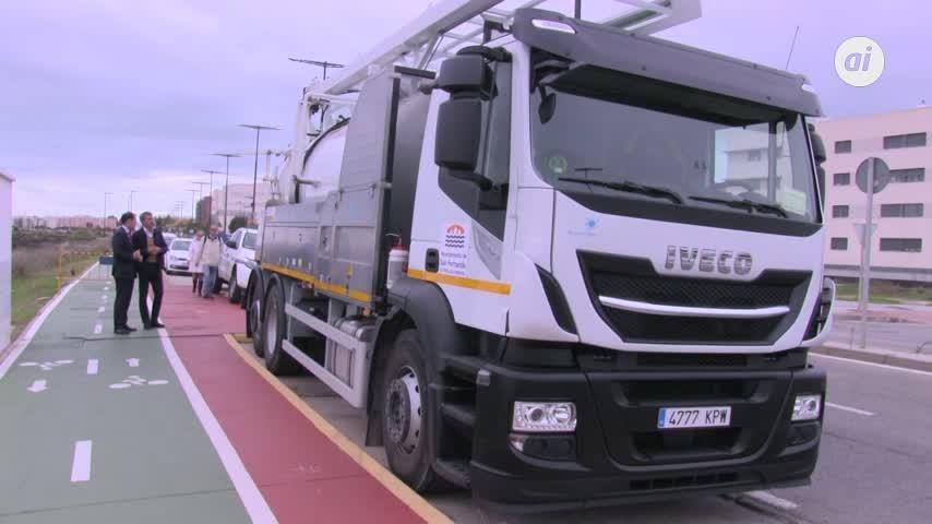 Un camión nuevo para mejorar la limpieza del alcantarillado de La Isla