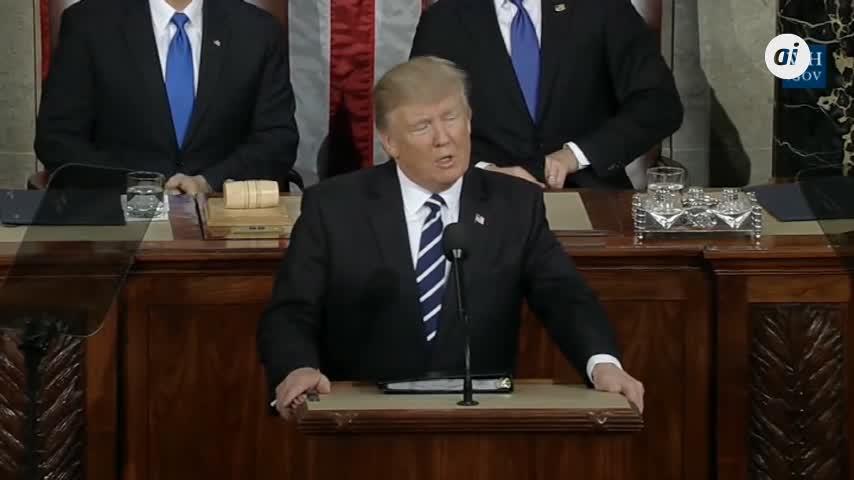 Los demócratas se hacen con la Cámara Baja de EEUU y frenan a Trump