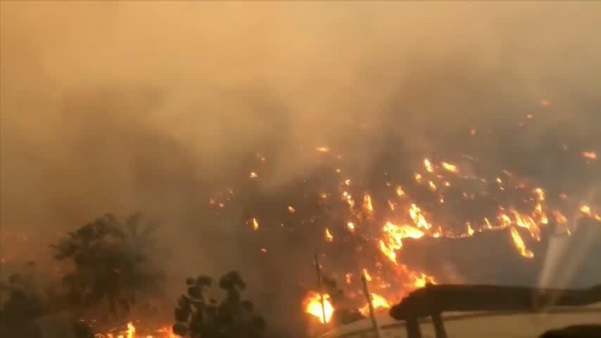 Varios muertos y 150.000 evacuados en otra oleada de incendios en EEUU