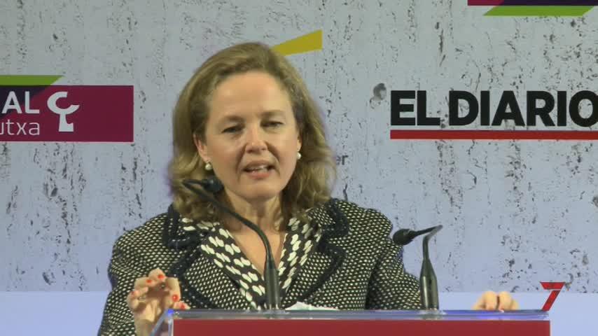 Calviño dice que aprobar los PGE permitirá reducir la deuda pública