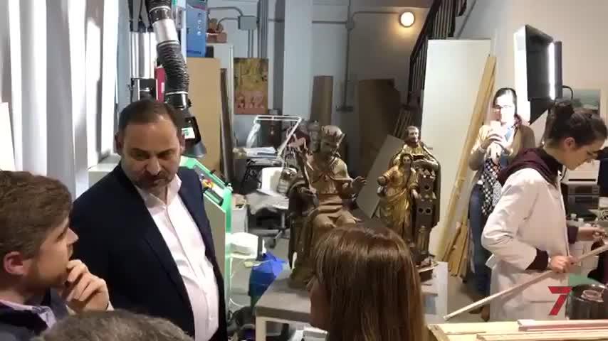 """El ministro Ábalos, """"entusiasmado"""" en Rompemoldes"""