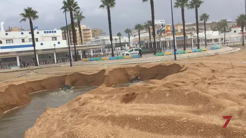 La lluvia deja un domingo de muchas incidencias en Huelva