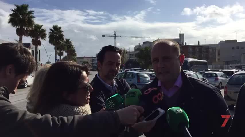 """""""No hay mantenimiento de las instalaciones deportivas de Cádiz"""""""