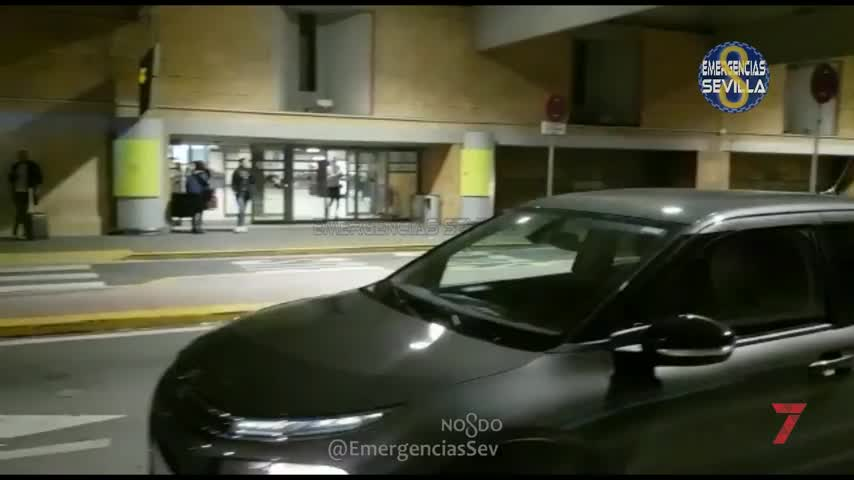 Interceptado en el aeropuerto un taxi clandestino