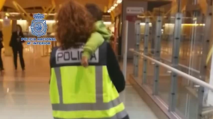 Repatriado con su madre un niño que había sido raptado en Argelia