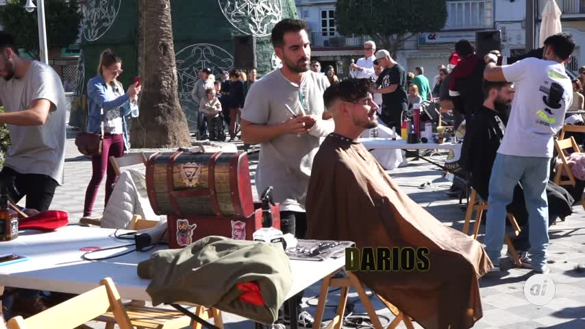 Barberos solidarios pelan a beneficio de Ningún niño sin juguete