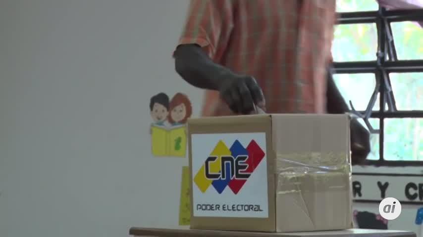 Chavismo gana con holgura municipales venezolanas