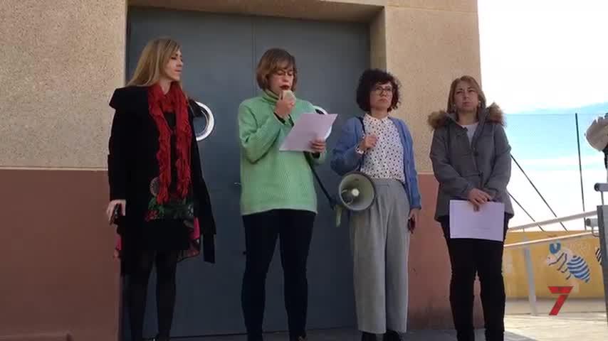 Alumnos y profesores del IES Tomás Hormigo recuerdan a Laura Luelmo