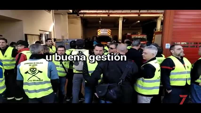 Los bomberos de Málaga le dan la espalda al alcalde