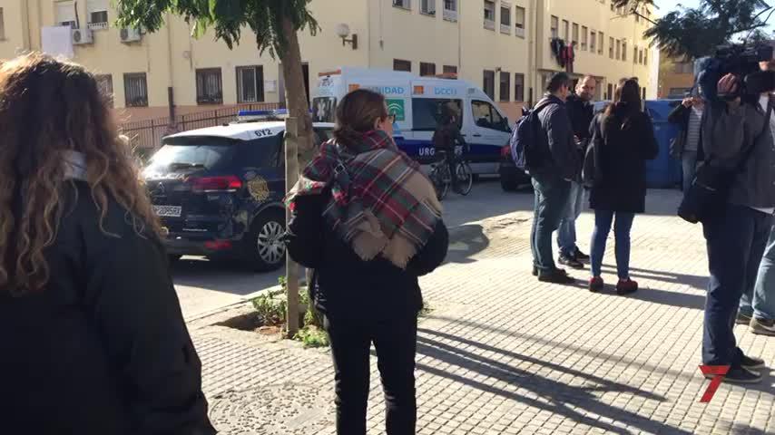 Kichi muestra sus condolencias por la muerte de un trabajador en Cádiz