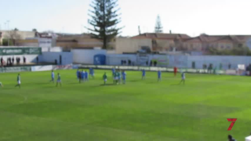 Derrota del Atlético Sanluqueño y Rafael Carrillo en la cuerda floja