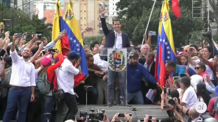 Guaidó aduce en su juramento tres artículos de la Constitución