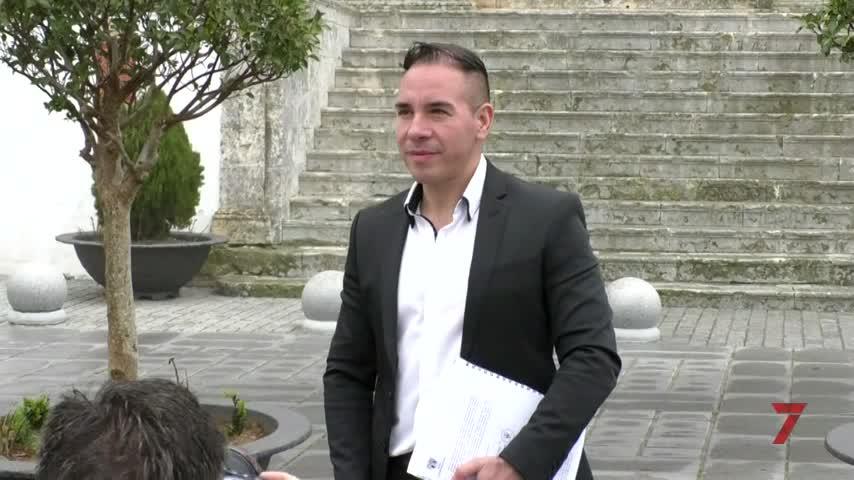 El colombiano cesado como cura en Medina espera que Roma le acredite