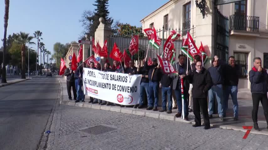 Los trabajadores de la Real Escuela inician sus movilizaciones