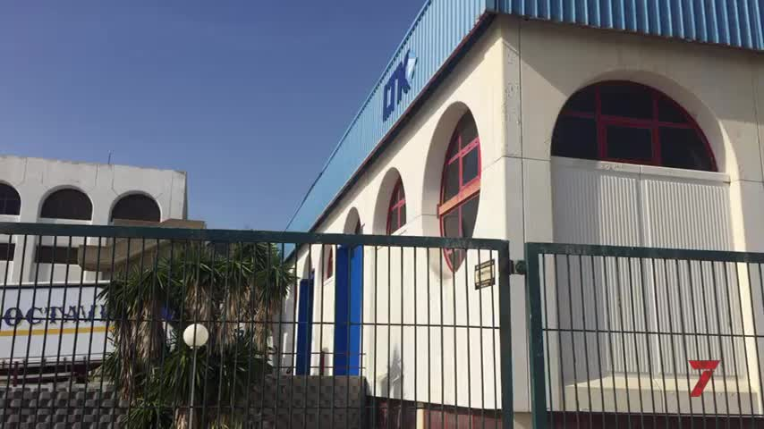 El uso industrial revive en la antigua fábrica de tabacos de Cádiz