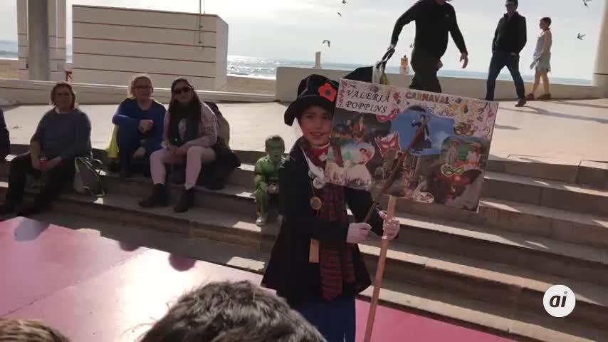 El Carnaval más canalla toma las calles de Cádiz