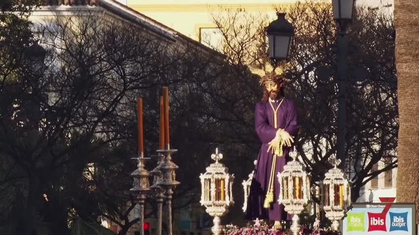 El Señor de la Paz abre el Vía Crucis a las nuevas cofradías