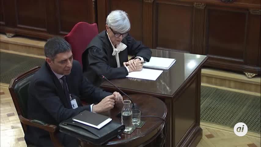 """Trapero ofreció una salida """"segura"""" a la secretaria judicial"""