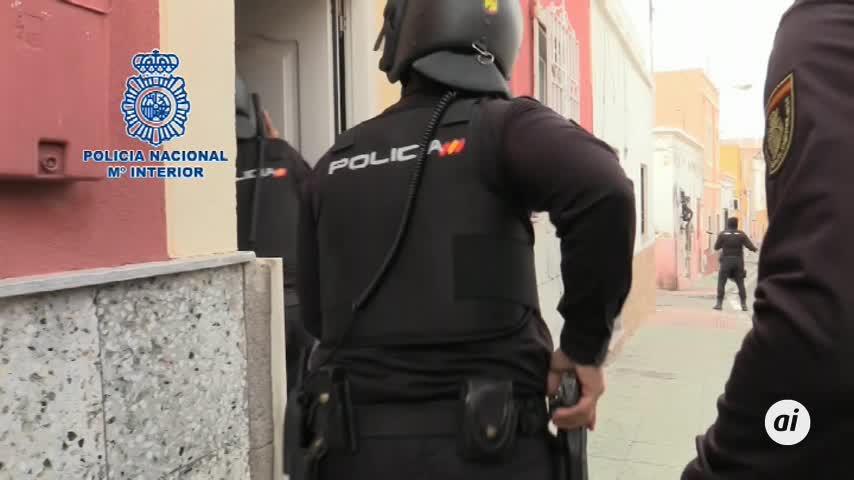 Tres detenidos en una operación que desactiva 114 enganches ilegales