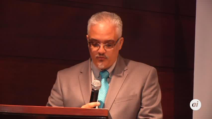 El cubano Enrique del Risco recibe el último premio Unicaja de Novela