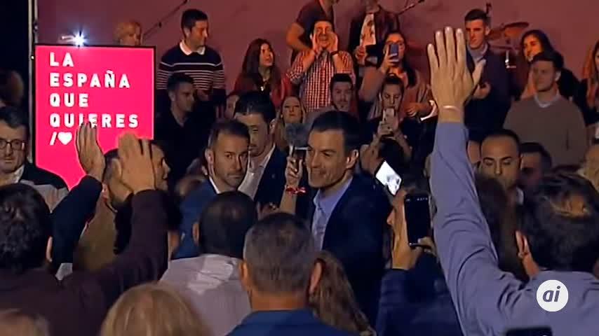 """Sánchez arenga a los suyos en el arranque: """"¡A votar y a ganar!"""""""