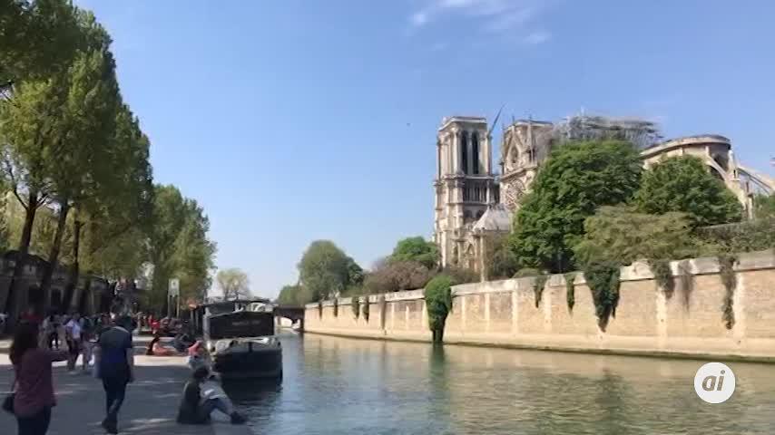 Rescatados los grandes cuadros de Notre Dame