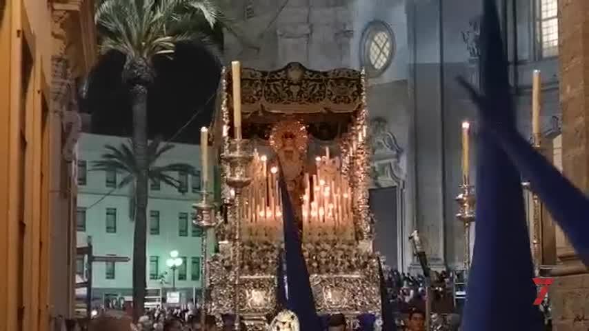 Virgen de la Victoria entrando en Compañía