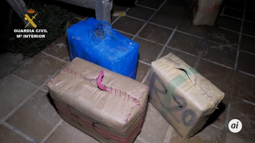 Los narcos aprovecharon el día electoral para introducir tres alijos