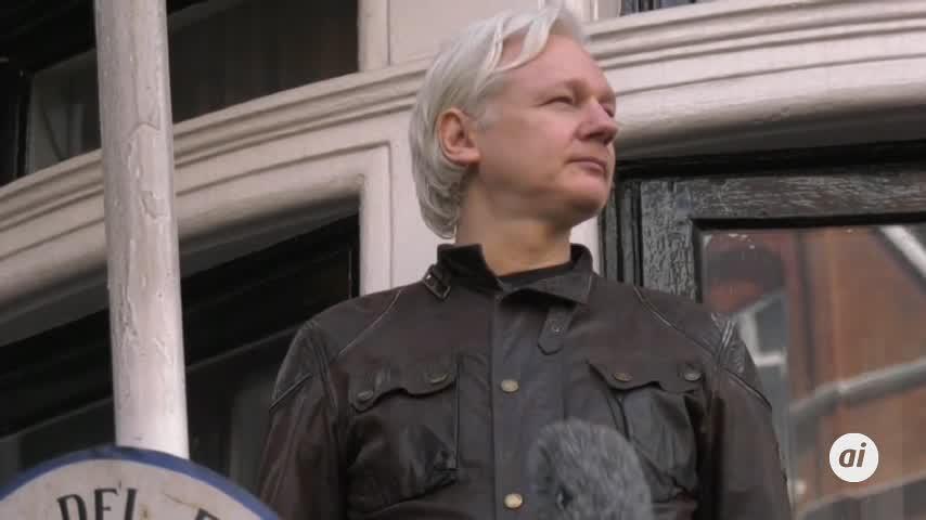 Julian Assange, condenado a 50 semanas de cárcel en Londres