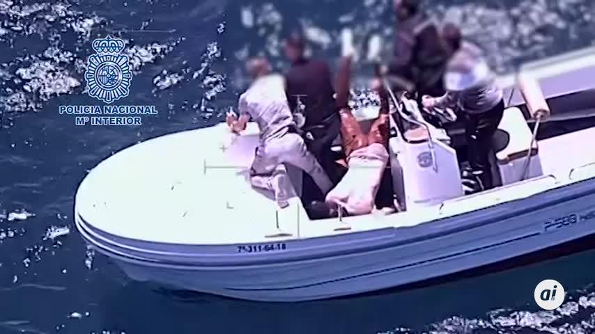 Seis rescatados tras chocar dos embarcaciones semirrígidas en La Línea