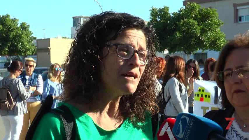 Las familias del nuevo IES protestan por la lentitud de las obras