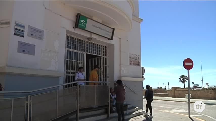 La Junta se mantiene firme en el cierre de líneas en Cádiz