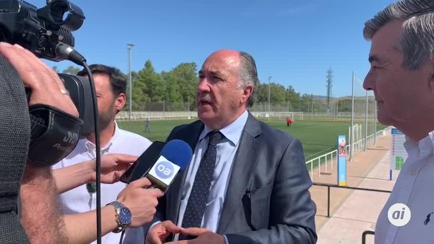 Landaluce anuncia césped artificial en ocho campos de fútbol