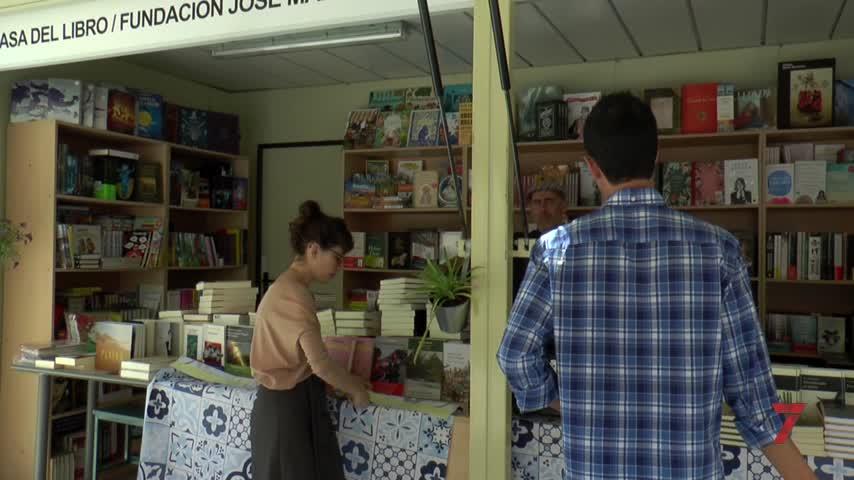Elvira Lindo abre la Feria del Libro