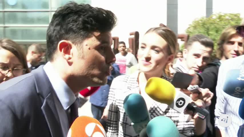 Suspendido el juicio sobre supuesta paternidad de Julio Iglesias