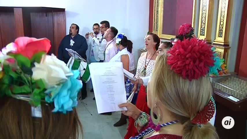 Cavada entrega la bandera de la Ciudad a la hermandad del Rocío