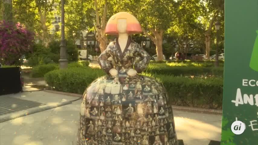 Moreno inaugura 'Ecomeninas', una muestra que promueve el reciclaje