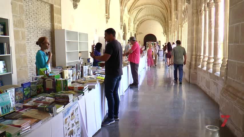 La Feria del Libro abre sus puertas en los Claustros de Santo Domingo