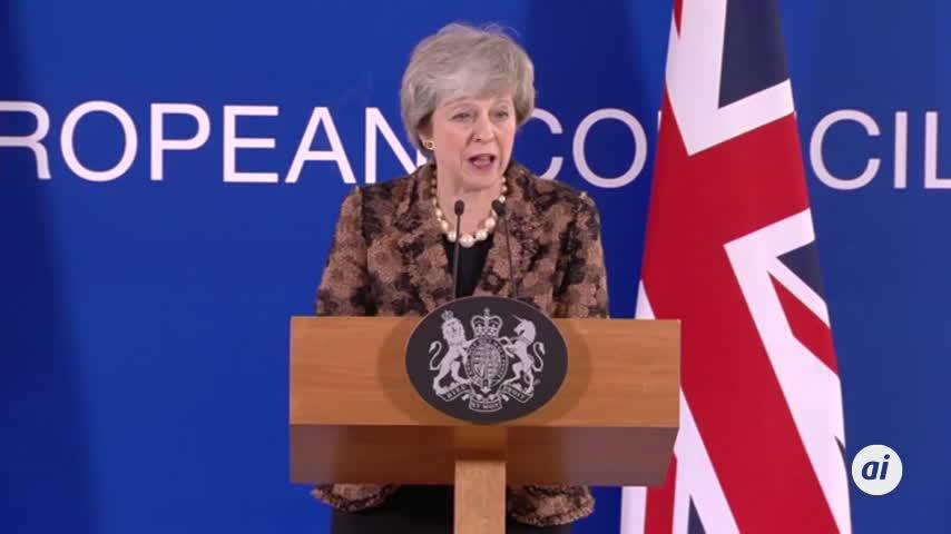 Theresa May firma la carta de dimisión